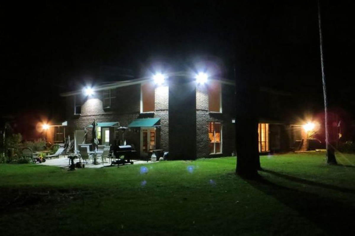 A Review of the Outdoor LED Flood Light Bulbs by Hyperikon